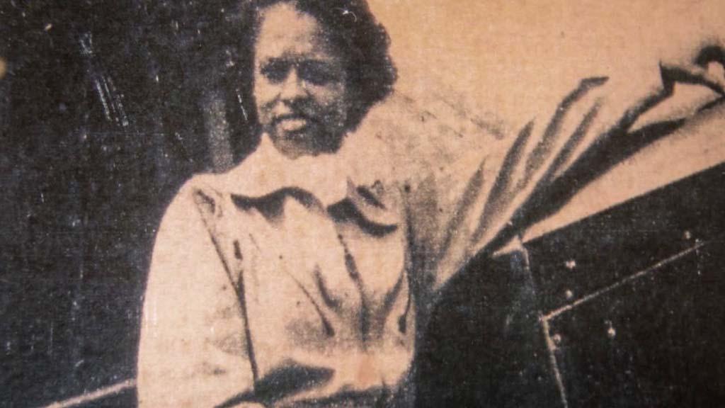 Azellia White