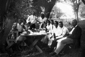 Backyard picnic, Lincoln, Nebraska, ca. 1910-1925