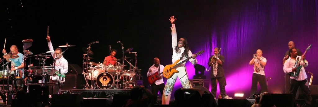 Earth, Wind and Fire Performing in 2009