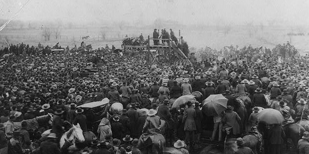 Fifteen Thousand Spectators Gather to See the Lynching of Henry Smith, February 3, 1893