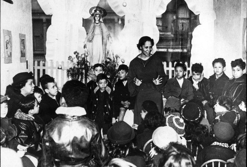 Pura Belpré Sharing Puerto Rican Folktales, Bronx, NY, 1948 (Pura Belpre Papers, Archives of the Puerto Rican Diaspora, Hunter College, CUNY