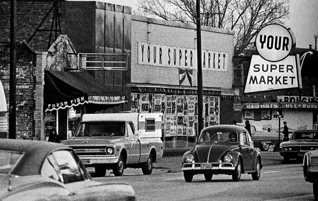 Market exterior and cars, South Side Chicago, ca. 1970