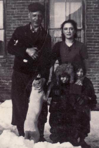 John Ralph Lyons, Daughter Claire, and granddaughters, Winooski, Vermont, ca. 1939